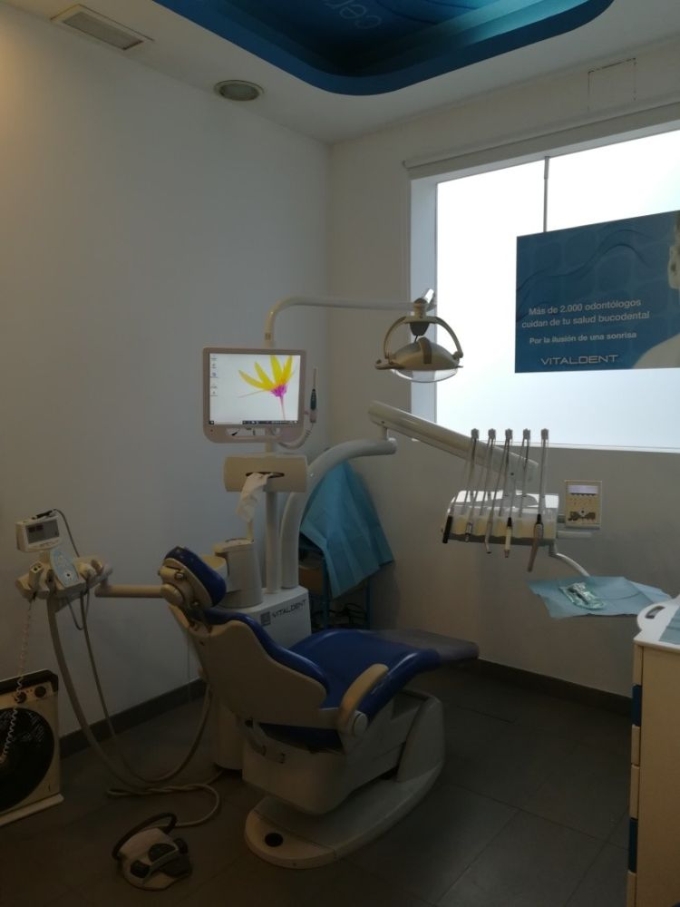 Dentista en segovia paseo ezequiel gonzalez 32 vitaldent - Clinica dental castellana ...